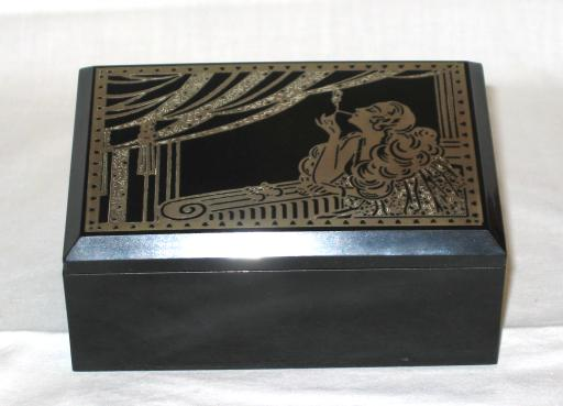 Art Deco Bakelit Box.